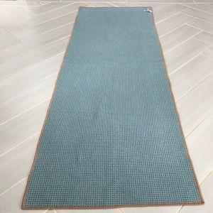 Yogitoes Other - Yogitoes SKIDLESS yoga mat towel